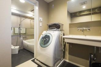洗面、ボウル、シンク、浴室、水回り、動線、洗濯機、マンションリノベーション、秀建