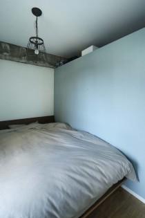 寝室、ベッドルーム、壁上部、通気性、猫、マンションリノベーション、一人暮らし、秀建