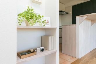 自然光、壁収納、見せる収納、飾り棚、オープン、マンションリノベーション、リノベの一歩