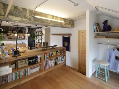 「リノべる。」のリノベーション事例「ヴィンテージ家具や雑貨とラフな仕上げがマッチした住まい」
