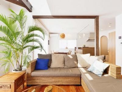 「スタイル工房」のリノベーション事例「築25年の木造住宅が吹き抜け効果で 光あふれる開放的な空間に」
