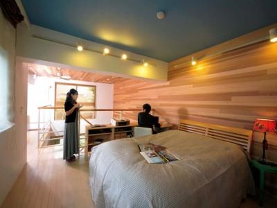 「Beat HOUSE」のリノベーション事例「壁・天井を無垢板張りに替え、インテリアイメージを一新!」