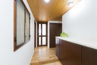 玄関、廊下、天井、建具、ドア、既存利用、リノベーション、一歩