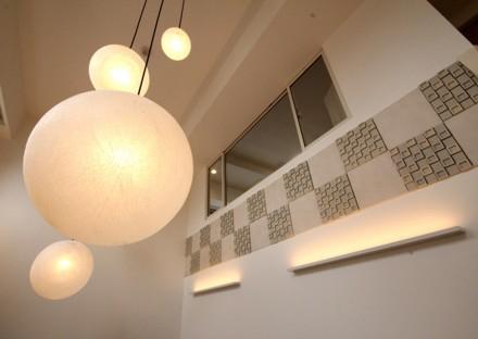 タイル、コーブ照明、壁、間接照明、吹抜け、リノステージ