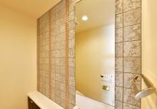 トイレ、デザインタイル、モザイクタイル、華やか、鏡、マンション、リノベーション、リノステージ