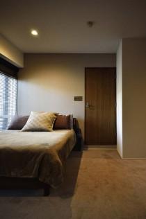 寝室、バルコニー、ベット、窓際、ワンルーム、リノベーション、スタイル工房