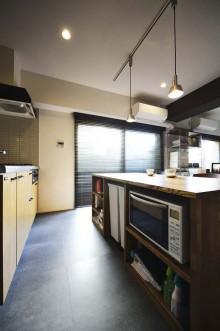 カウンターキッチン、造作、家電、収納棚、フロアタイル、ワンルーム、スタイル工房