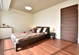 寝室、天井、壁、クロス、フローリング、カウンター、マンション、リノベーション、リノステージ