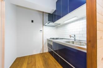 キッチン、壁、清潔感、タイル、マンション、リノベーション、一歩