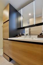 洗面、廊下、アクセントクロス、収納、モダン、脱衣所、リノベーション