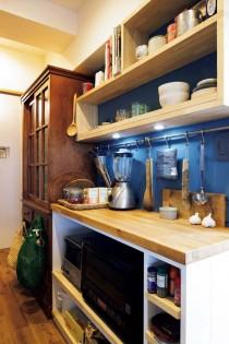キッチン、パントリー、収納、床板、壁塗装、アクセントウォール、マンション、リノベーション、アズ建設