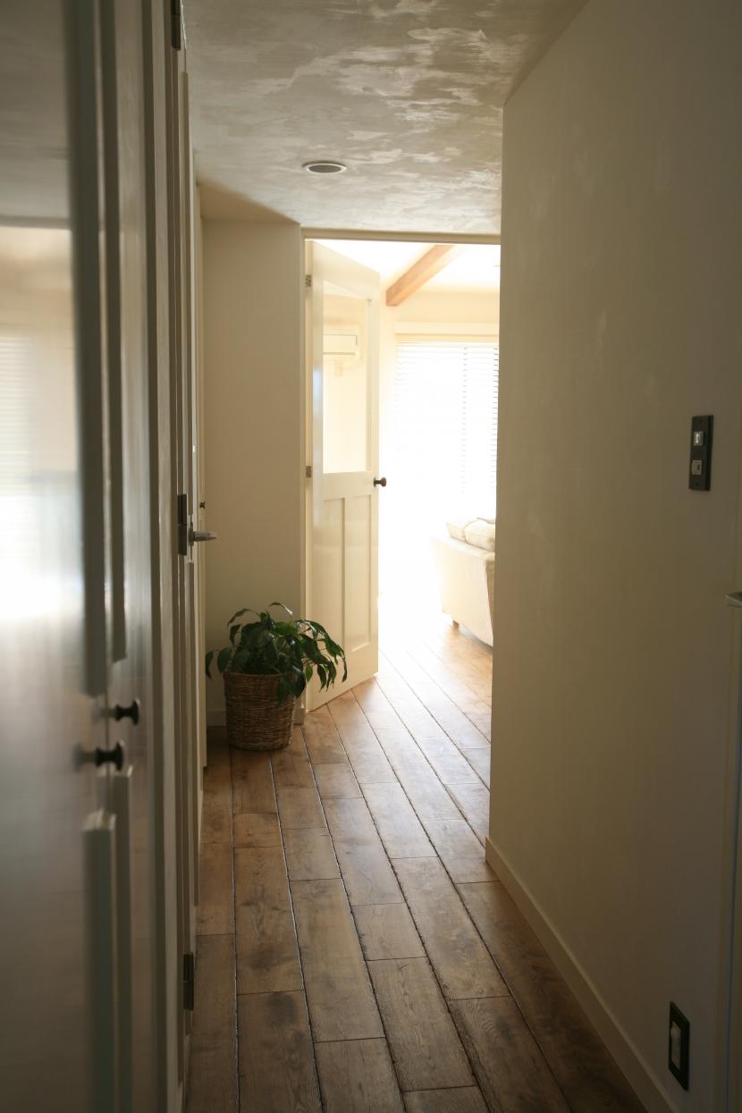廊下.リビング,スモーキーウッド,観葉植物,リノベーション,FILE