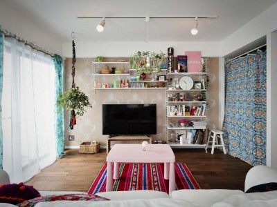 「スタイル工房」のリノベーション事例「鮮やかな雑貨とインテリアが楽しい、キャンバスのような家」