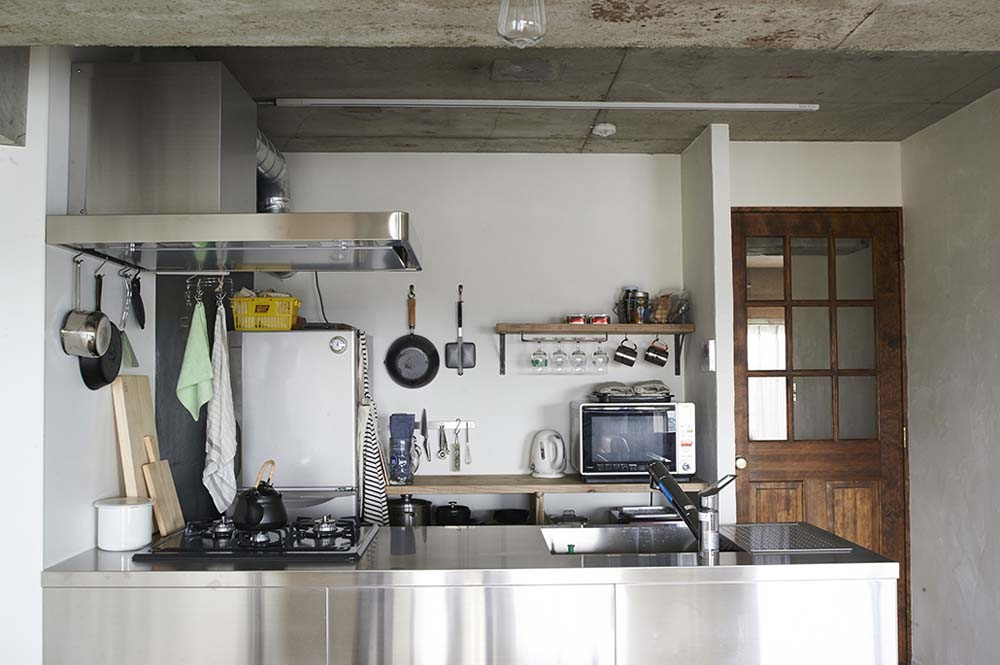 ステンレス、キッチン、コンクリート打ちっ放し、無機質、リノベーション、リノまま