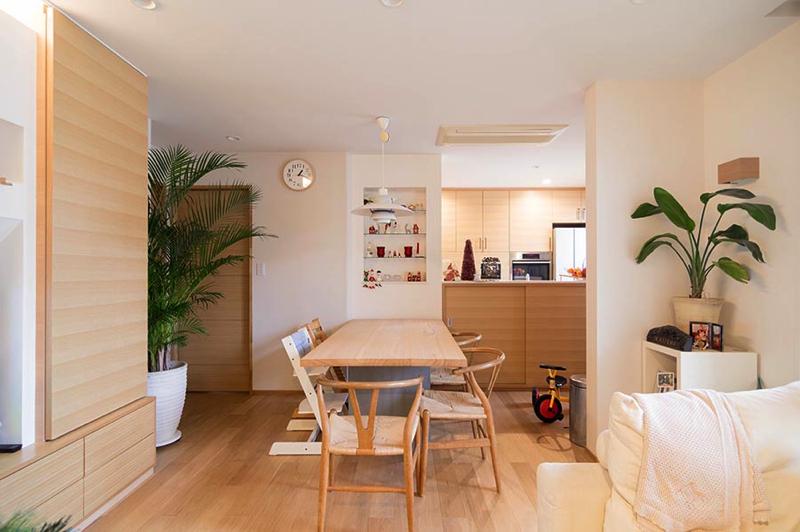 「スタイル イズ スティルリビング」のリノベーション事例「公園からの優しい風が吹き込む二世帯住宅をリフォーム。今まで以上に暮らしやすさを追求した空間を実現。」