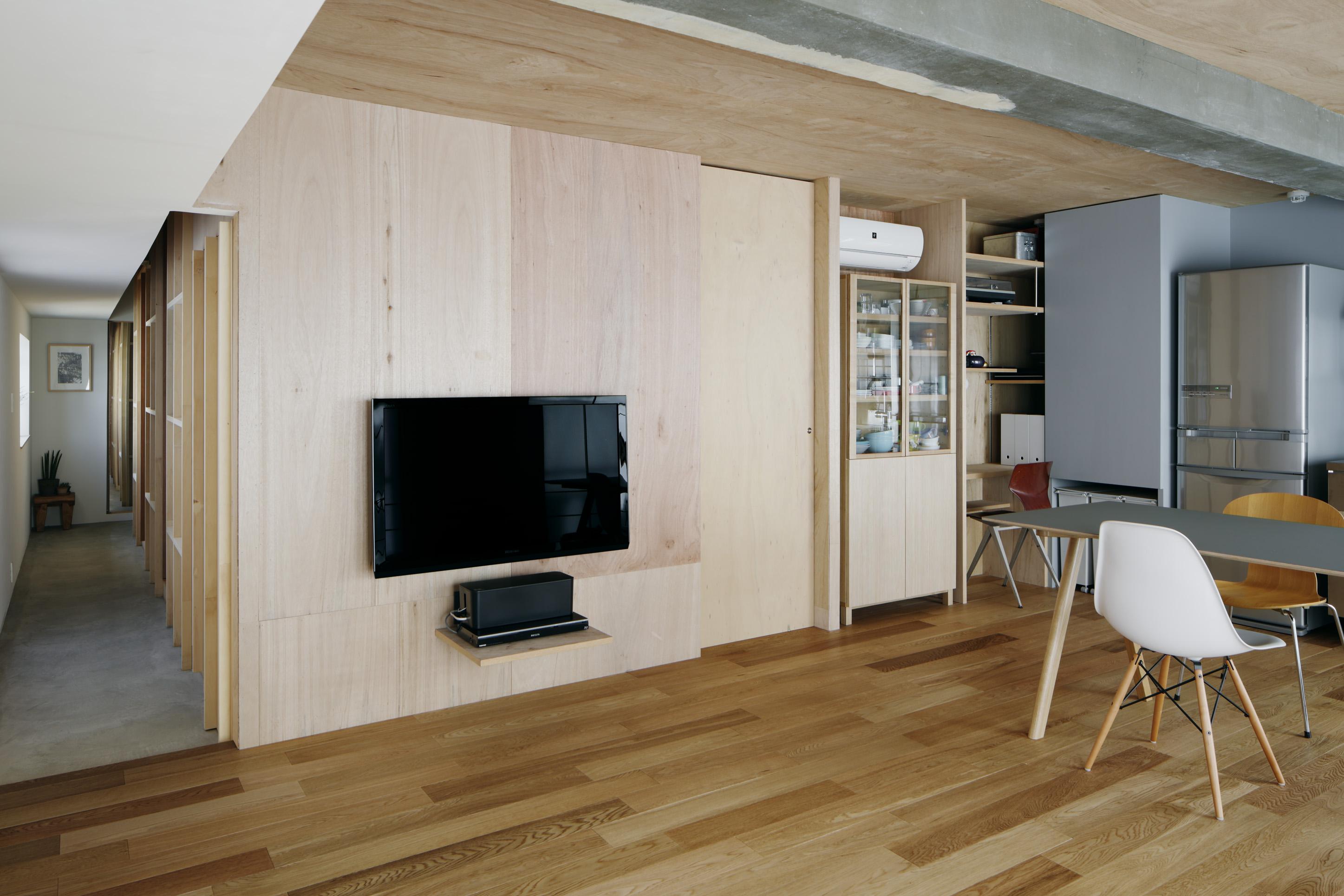 「青木律典 | 株式会社デザインライフ設計室」のリノベーション事例「限られた空間を有効活用しながらゆとりを感じる住まいに-土間のある暮らしかた-」