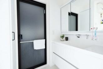 バスルーム、サニタリールーム、洗面台、洗面所、お風呂、リノベーション、モダン