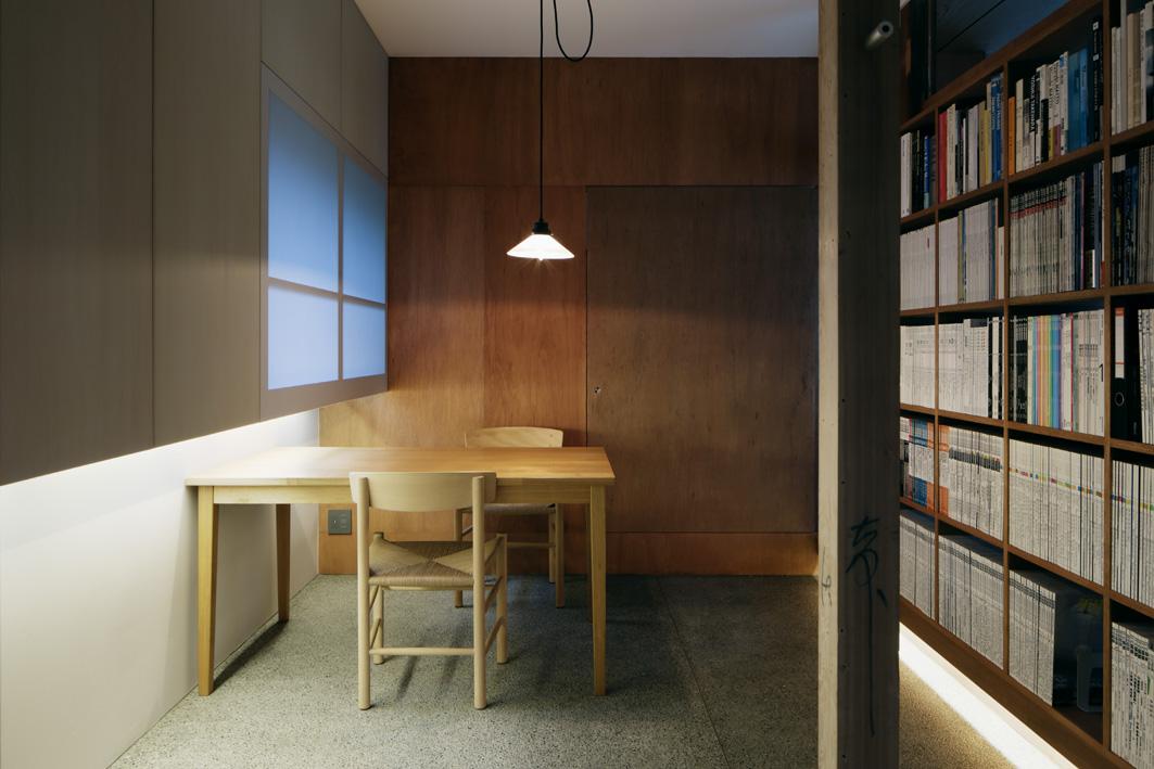 玄関ホール、間接照明、図書、読書、本棚、応接、株式会社デザインライフ設計室