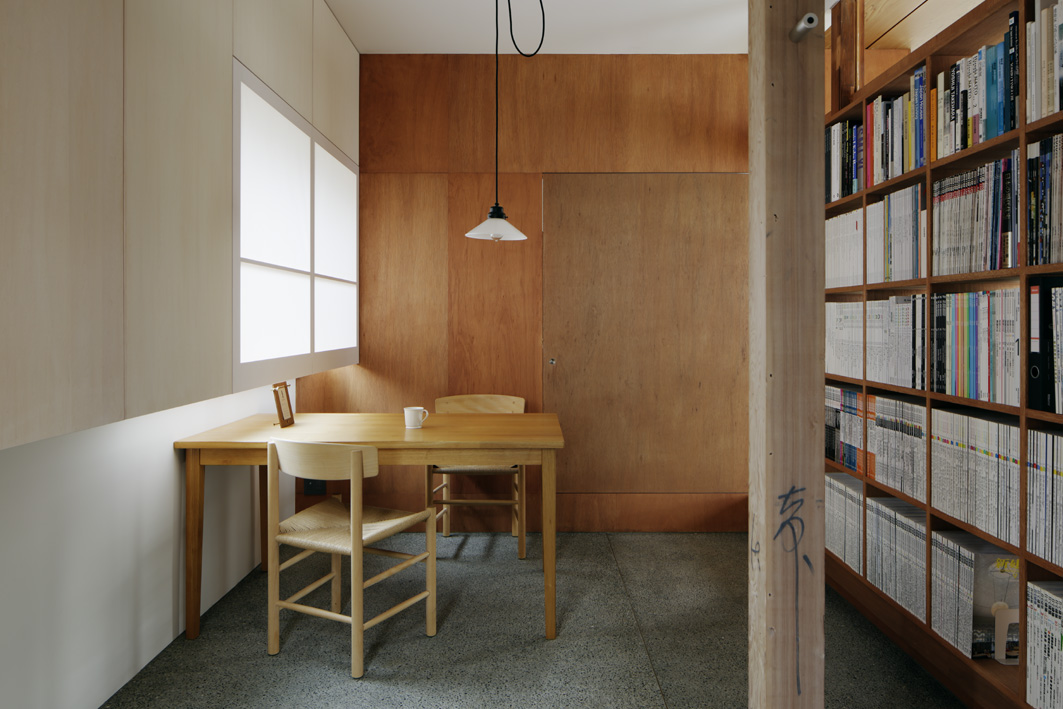 応接スペース、間接照明、玄関ホール、壁面収納、青木律典、株式会社デザインライフ設計室