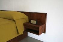 壁付けベッド、オリジナル家具、ベッド下収納、サイドテーブル、リノベーション、シック、寝室、リノベーション
