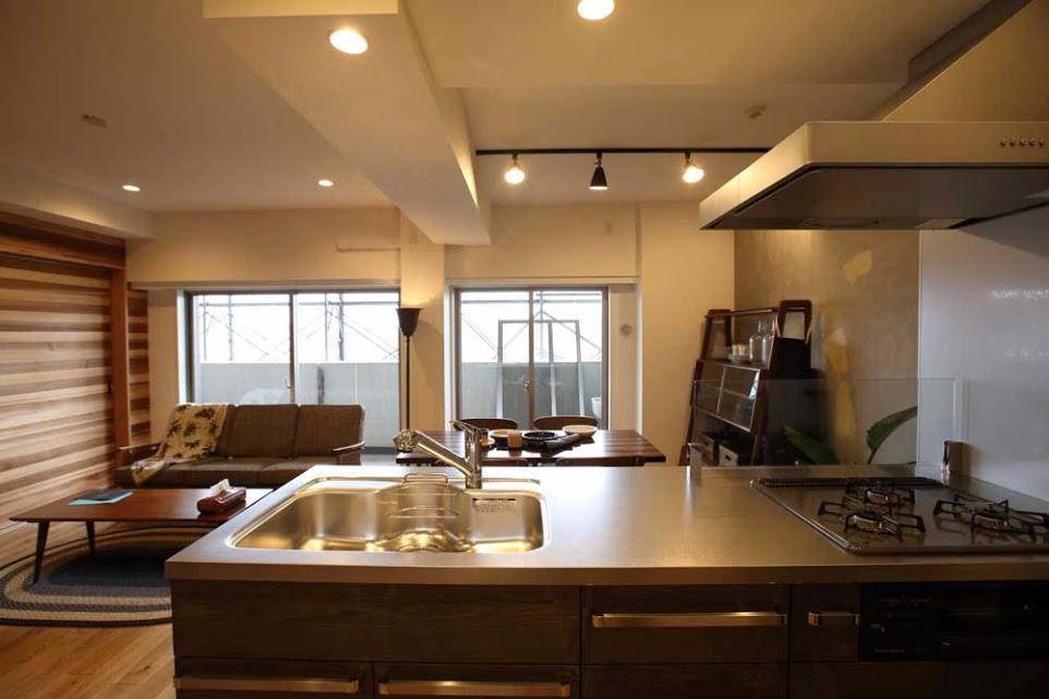 オリジナルキッチン、カウンターキッチン、タモ材、浮造り、リノベーション、シンプル