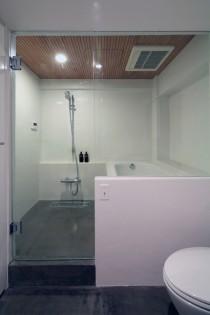デザイン塗装、バスルーム、お風呂、在来工法、ホテル仕様、ガラス扉、