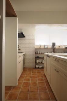 キッチン、框扉、キッチンカウンター、タイル、リノベーション、ナチュラル