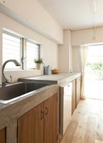 モルタル、造作キッチン、オリジナルキッチン、リノベーション、ヴィンテージ、シンプル