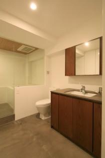 バスルーム、サニタリールーム、お風呂、在来工法、ホテル仕様、ガラス扉、リノベーション、漆喰壁、水回り