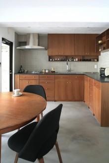 キッチン、大理石カウンター、リノベーション、ヴィンテージ、北欧モダン、北欧アンティーク