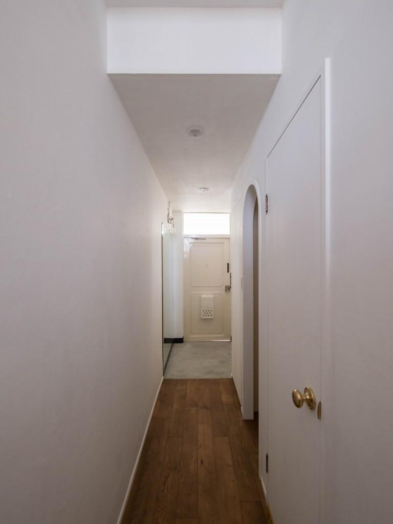 玄関、モルタル仕上げ、廊下、玄関土間、リノベーション、フローリング、DIY