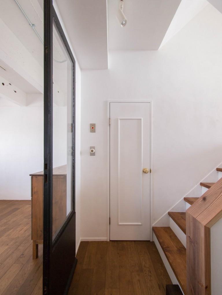 踊り場、階段、ガラス戸、寝室、リノベーション、アンティーク