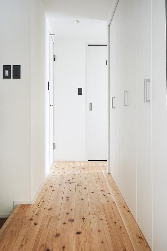 廊下、国産杉、フローリング、無垢フローリング、リノベーション、シンプル、DIY