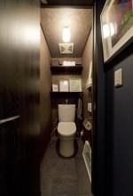 トイレ、レストルーム、マンションリノベーション、リノベーション、ハコリノベ、アクセントクロス