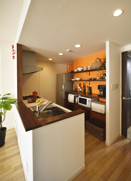 キッチン、オープンシェルフ、飾り棚、見せる収納、キッチン収納、リノベーション、ロハススタジオ