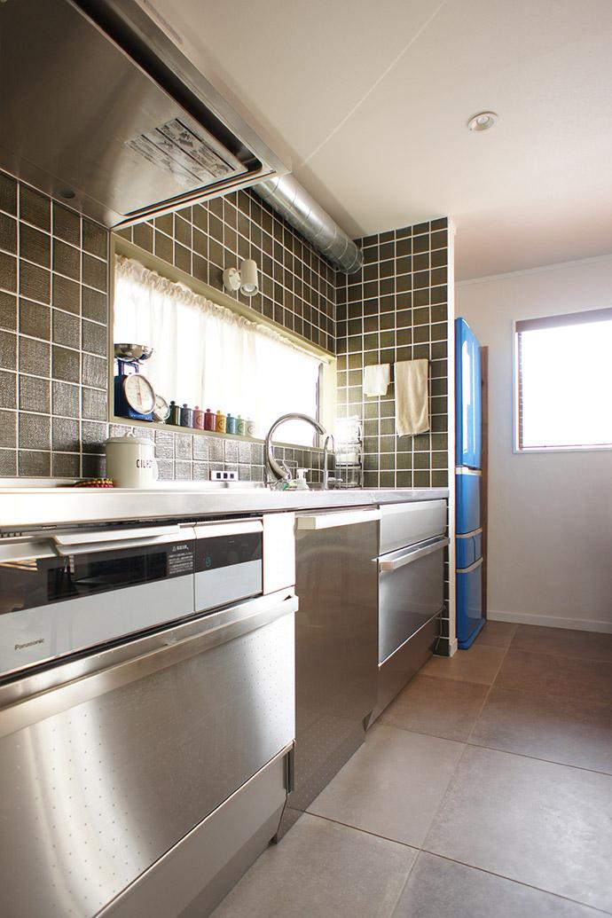 キッチン、ステンレスキッチン、タイル壁、リノベーション、戸建リノベーション、空間社