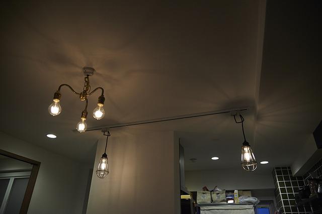 ダクトレール、キッチン、照明、リノベーション、リノまま