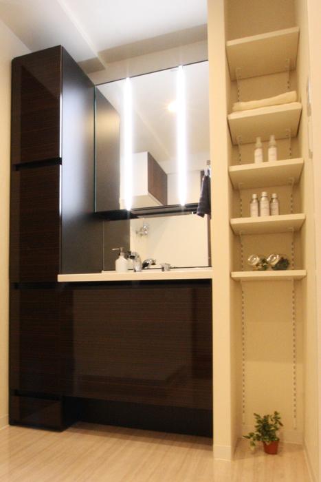 洗面台、洗面室、ウォルナットカラー、リノベーション、マンションリノベーション、リノステージ