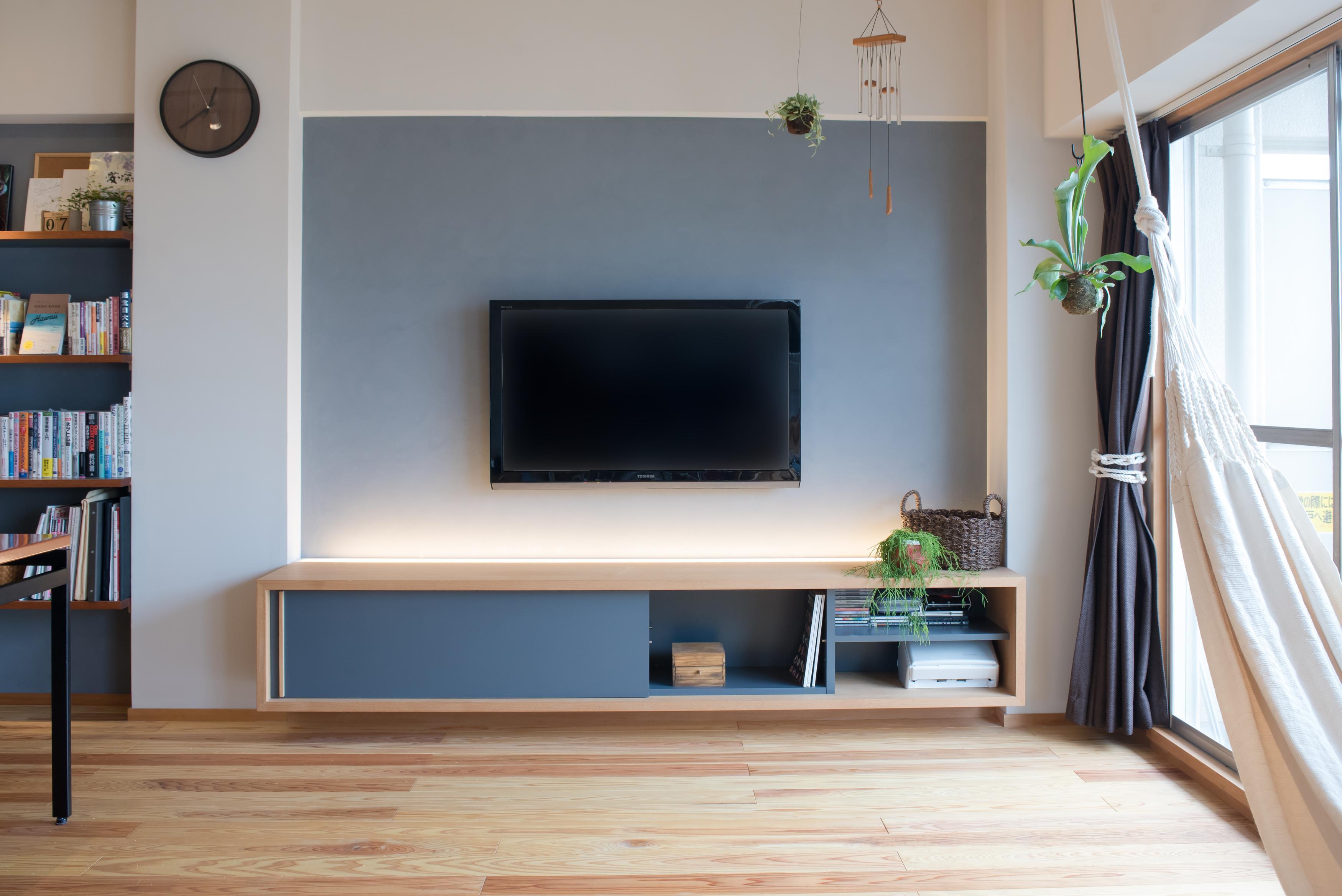 フロートタイプ、テレビ台、テレビボード、造作家具、リノベーション、マンションリノベーション、ハンズデザイン一級建築士事務所、リビング