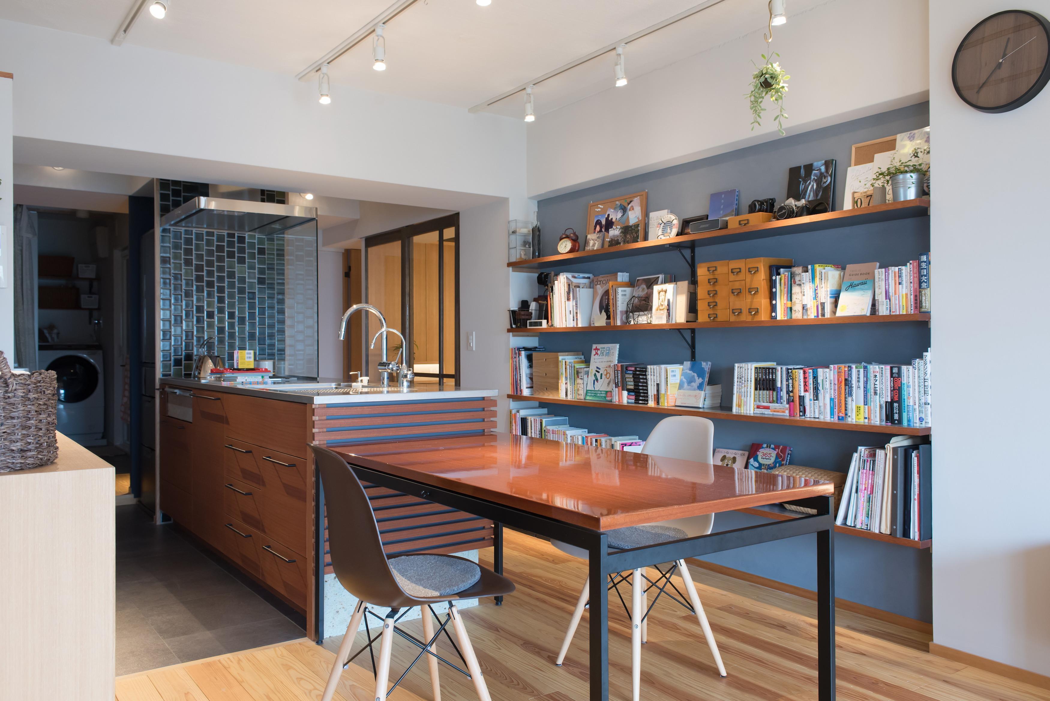 本棚、リノベーション、マンションリノベーション、ハンズデザイン一級建築士事務所、アクセントクロス