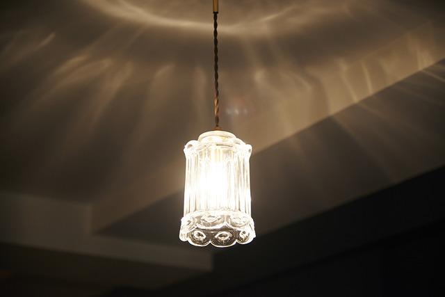 ガラスシェード、アンティーク調、照明、リノベーション、リノまま