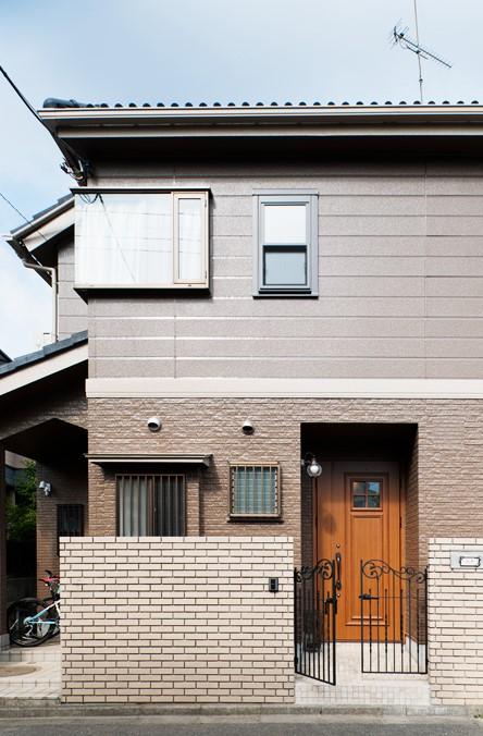 外壁工事、外観、戸建リノベーション、タイル塀、外壁材、トラスト