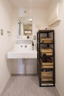 洗面台、洗面所、シンプル、サニタリールーム、リノベーション、スタイル工房、タイル壁