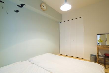 寝室、ベッドルーム、アクセントクロス、クローゼット、北欧風、リノベーション