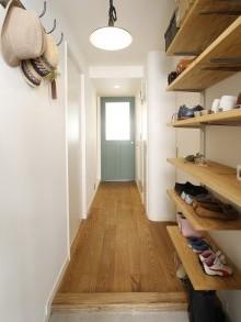 玄関、玄関収納、靴収納、リノベーション、可動棚、スタイル工房