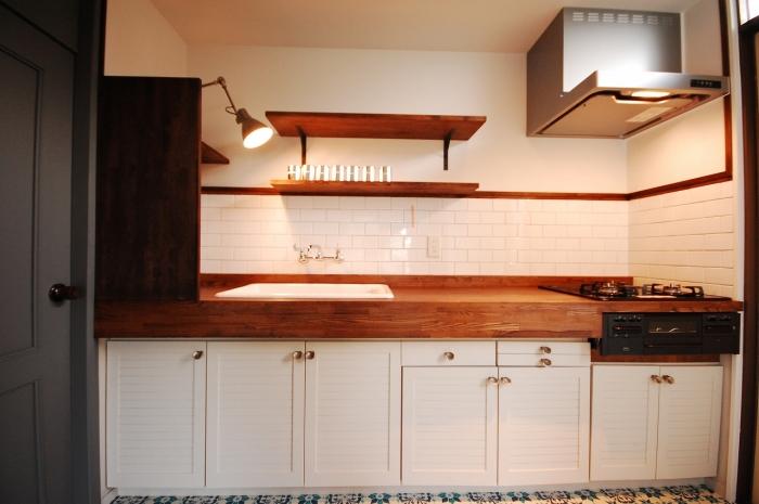 キッチン、アンティーク、見せる収納、オリジナルキッチン、木の天板、リノベーション、G-FLAT
