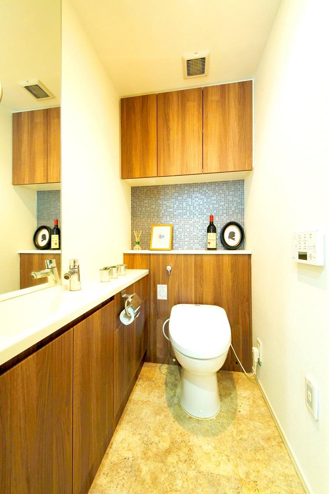モザイクタイル、トイレ、トイレ収納、レストルーム、リノベーション、すむ図鑑