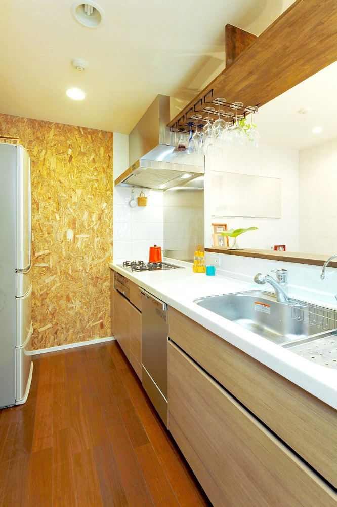 キッチン、対面キッチン、カウンターキッチン、OSBボード、リノベーション、すむ図鑑