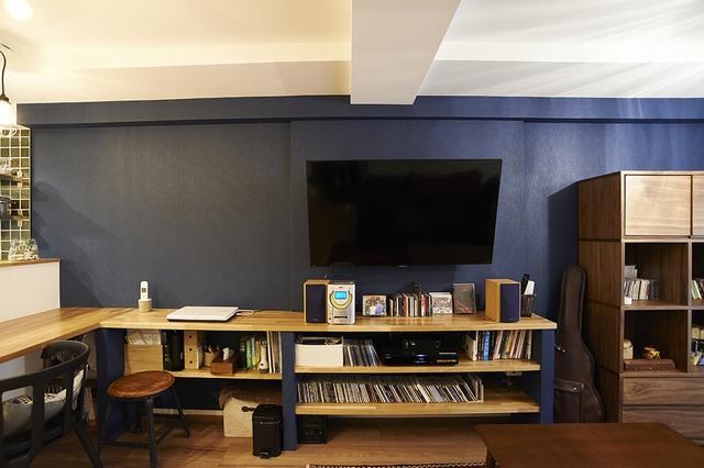 収納、リビング、壁掛けテレビ、アクセントクロス、リノベーション、リノまま