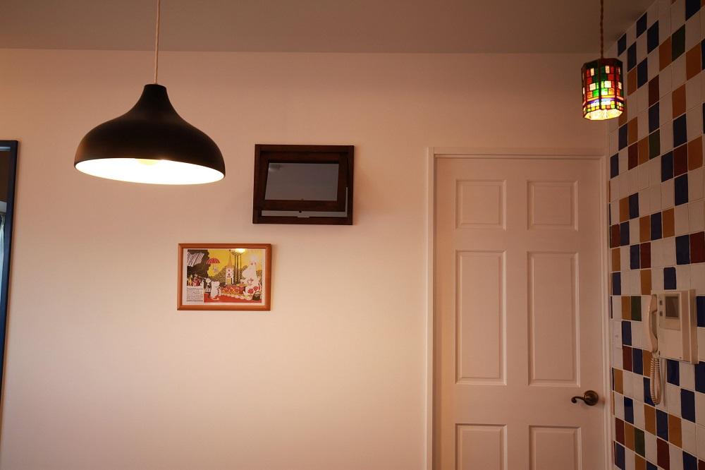 室内窓、タイル壁、タイル貼、リノベーション、カフェ風、リビング、アンメゾンワールド